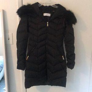 Tahari black puffer jacket w faux fur hood
